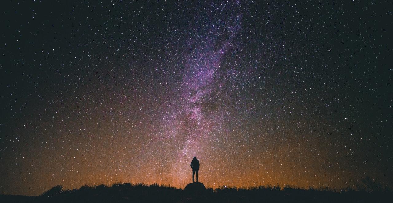 如果你因失去太陽而流淚,那麼你也將失去群星了。
